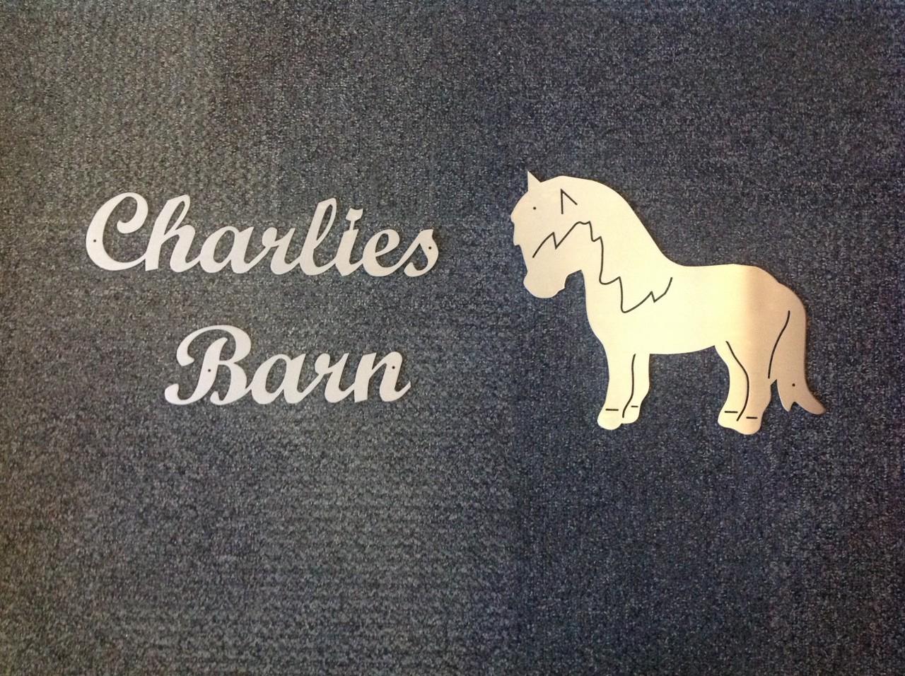 Charlies Barn